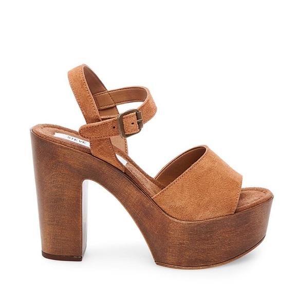 4370831fcc2 Steve Madden Lulla Chestnut Suede Platform Sandal.  M 5c4602b4de6f6258155d5967